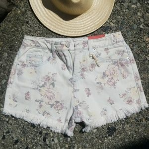 NWT high rise vntg style floral Mossimo shorts